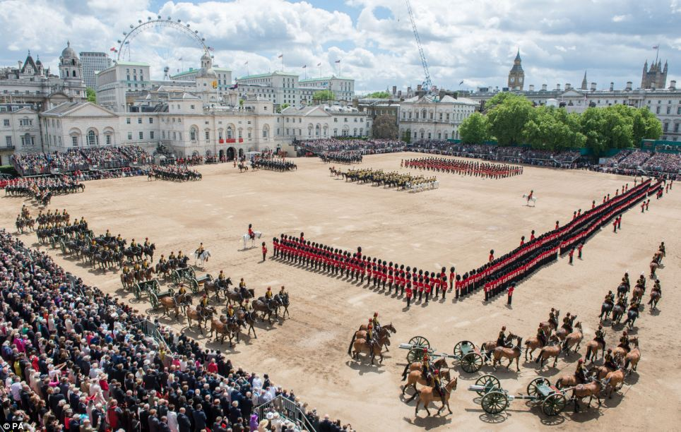 Trooping the Colour 2013. Article-2342119-1A55EB70000005DC-278_964x612