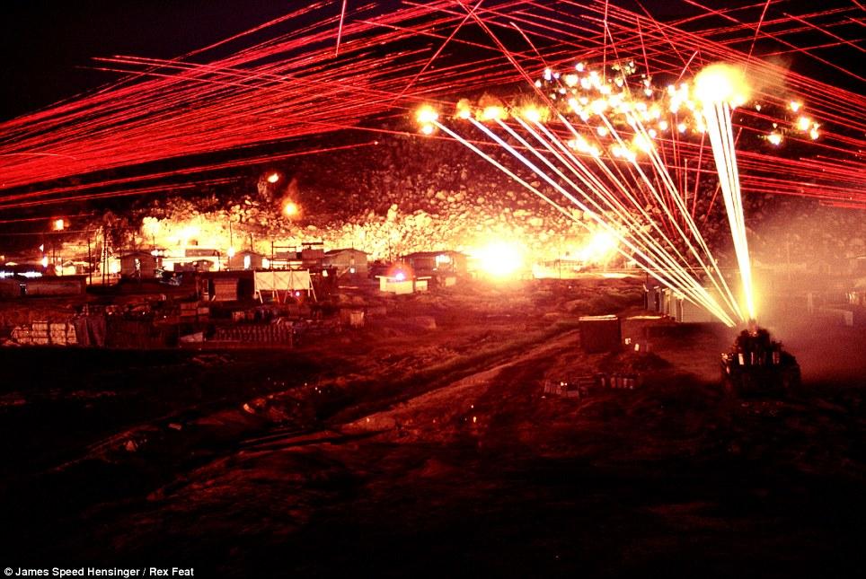 guerre du vietnam Article-2345454-1A6A53C4000005DC-358_964x645