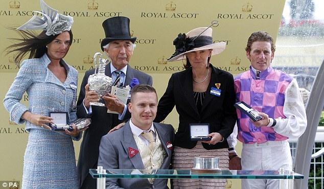 Royal Ascot 2013. - Página 9 Article-2345918-1A73F60E000005DC-13_634x370