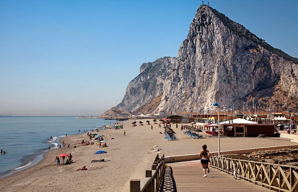 Gibraltar Article-2380286-1262641B000005DC-446_964x621