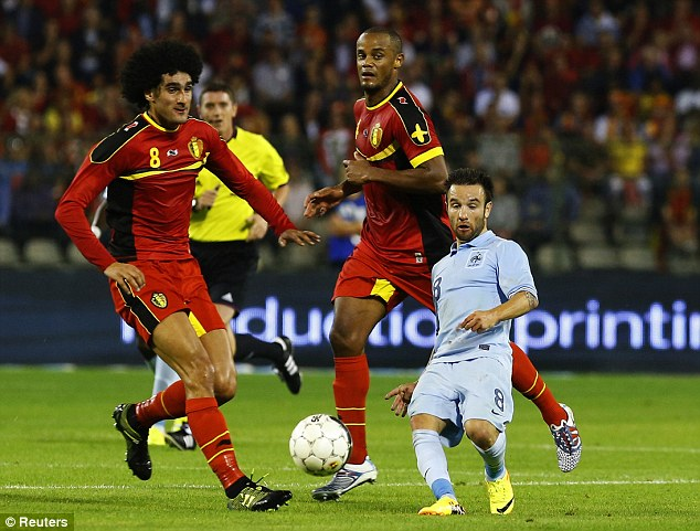 25: Marouane Fellaini - Short, Back, in Side - Page 39 Article-0-1B4C3738000005DC-92_634x481