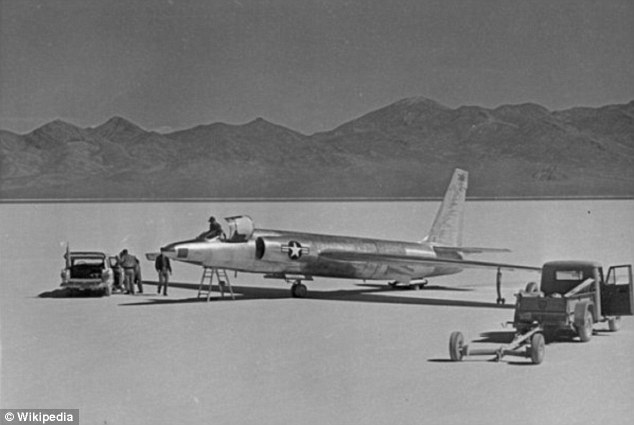 CIA lifts the lid on Area 51 for the first time EVER: Agency acknowledges existence of test area at last as it releases new map and scores of documents on spy plane tests Article-2395372-1B519FD5000005DC-897_634x425