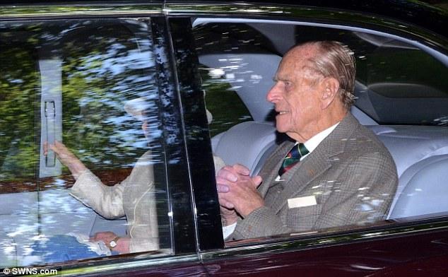 Isabel II, Reina de Gran Bretaña e Irlanda del Norte - Página 40 Article-0-1B5A1214000005DC-711_634x392