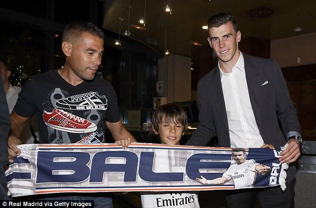 Gareth Bale Transfer Saga V.2 - Page 34 Article-2398774-1B93054C000005DC-131_634x418