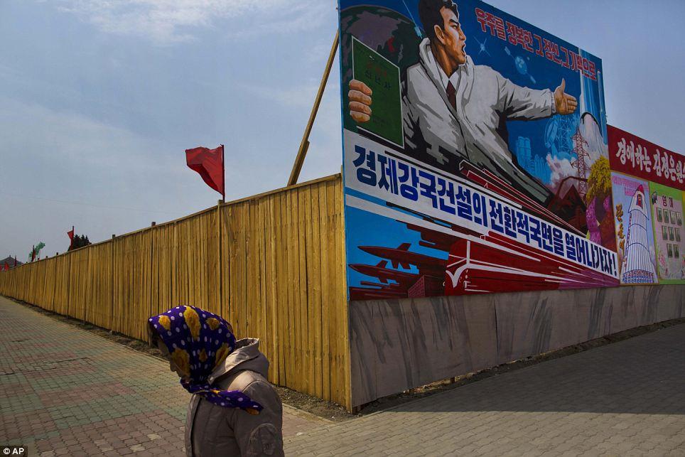 الحياة في كوريا الشماليه ..........متجدد  Article-2424516-1BB0C2A6000005DC-617_964x643