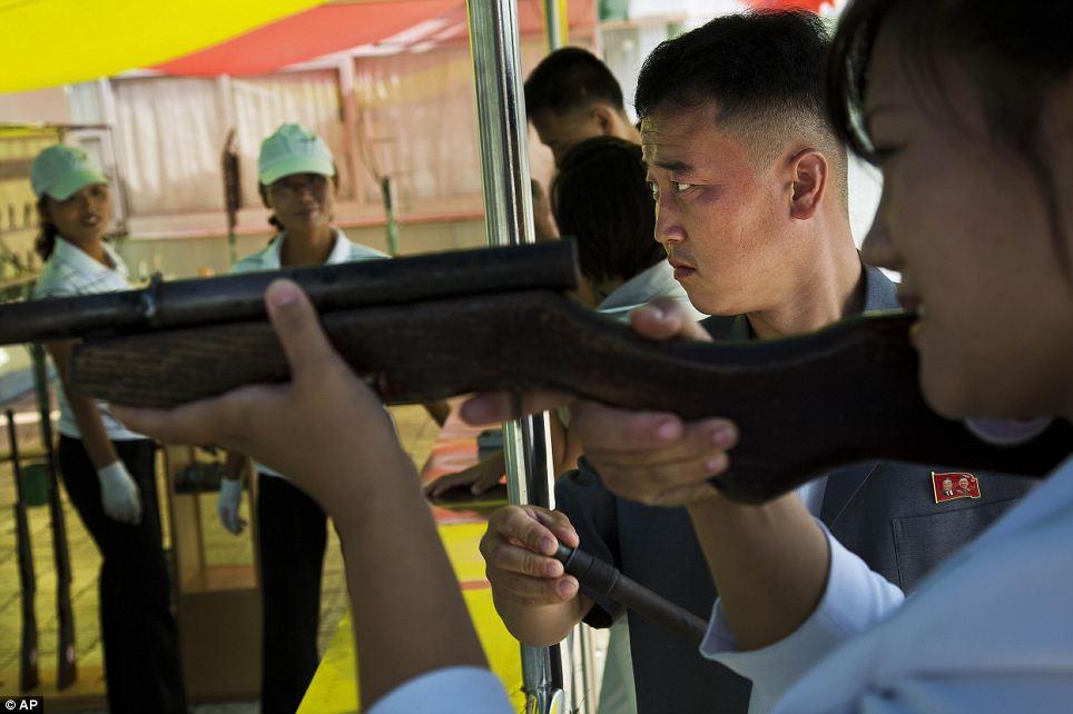 الحياة في كوريا الشماليه ..........متجدد  Article-2424516-1BE3AA85000005DC-890_964x642