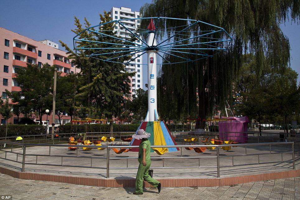 الحياة في كوريا الشماليه ..........متجدد  Article-2424516-1BE3AD87000005DC-638_964x642