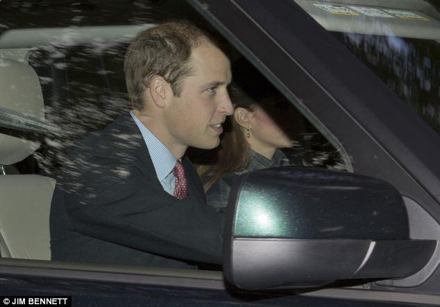 Isabel II, Reina de Gran Bretaña e Irlanda del Norte - Página 40 Article-2429035-182A38A500000578-565_634x443