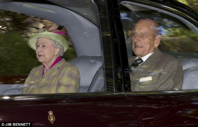 Isabel II, Reina de Gran Bretaña e Irlanda del Norte - Página 40 Article-2429035-182A38A900000578-182_634x407