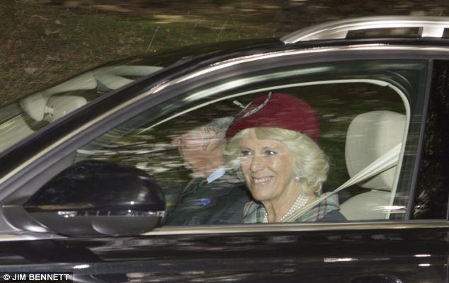 Isabel II, Reina de Gran Bretaña e Irlanda del Norte - Página 40 Article-2429035-182A3B2000000578-334_634x400
