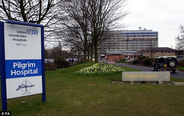 Staff at one of Britain's worst hospitals told to use Facebook and Twitter on wards in bizarre bid by bosses to improve communication  Article-2434826-003AF01100000258-819_634x401