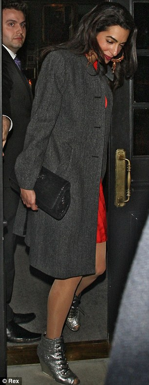 George Clooney at dinner in London Article-0-18F77C9500000578-578_306x791