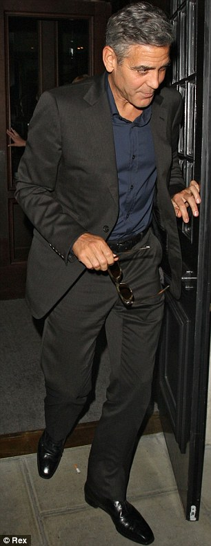 George Clooney at dinner in London Article-0-18F77CA100000578-61_306x791