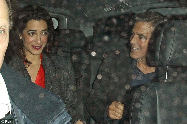 George Clooney at dinner in London Article-0-18F77CBE00000578-162_634x422