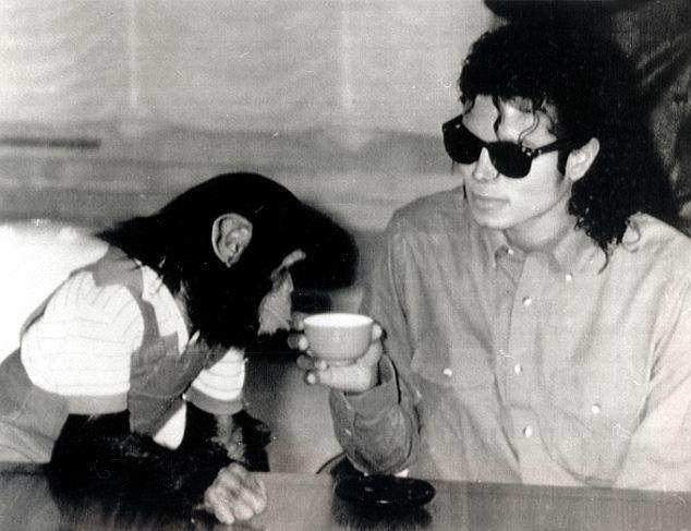 Remembering Michael, nuovo progetto della matriarca Jackson  Article-2524671-000F499E00000258-536_634x487