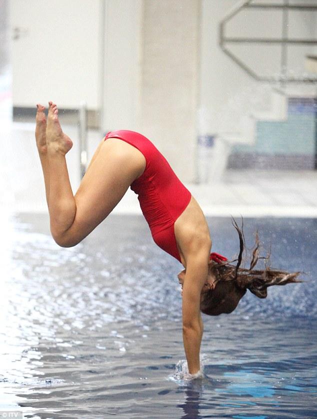 Programa (Una) >> Splash! - Página 2 Article-2545332-1AECCA6C00000578-633_634x837
