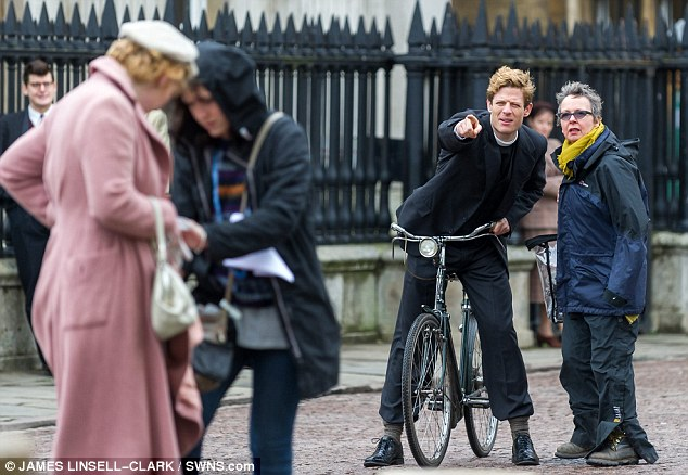 Grantchester ITV 2014, l'adaptation des romans de James Runcie Article-2599017-1CE7A2D300000578-405_634x438