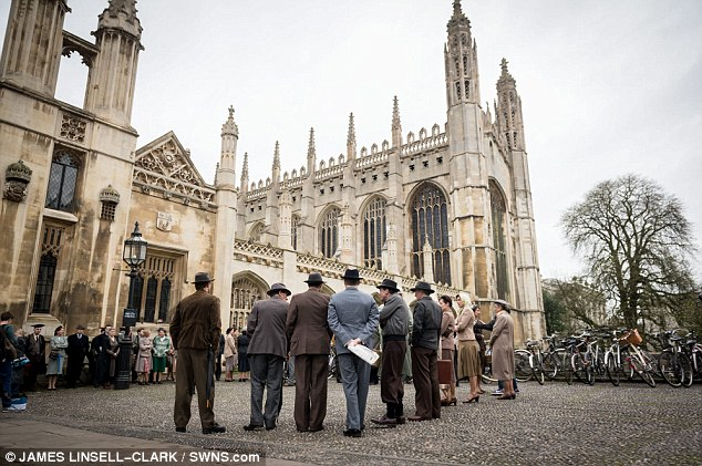 Grantchester ITV 2014, l'adaptation des romans de James Runcie Article-2599017-1CE7A34A00000578-945_634x421