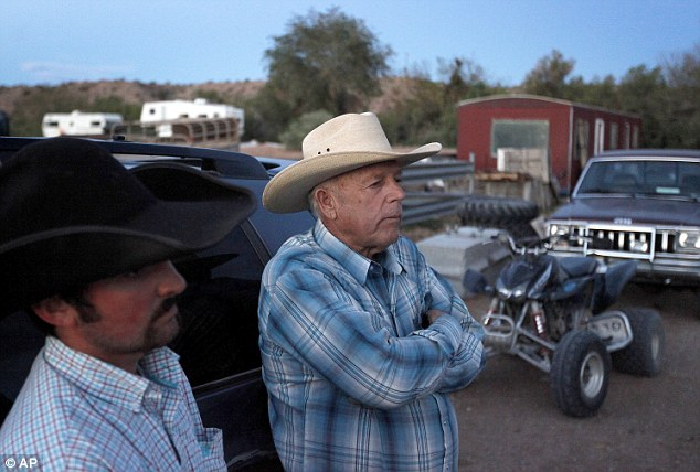 HEROIC rancher in Nevada takes on 200 armed federal agents and snipers confiscating his cattle over an endangered tortoise (supposedly) Article-2601140-1CDF6A5E00000578-515_634x428