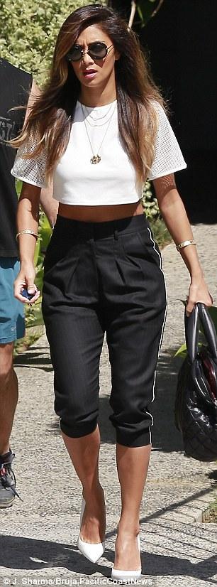 Nicole Scherzinger >> Candids/Apariciones/Shoots Article-2604762-1D1E95B400000578-675_306x826