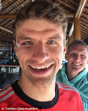 most punchable face : Ronaldo vs Muller Article-0-1F1324EC00000578-801_306x386