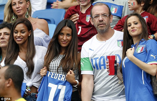 World Cup Beauties - Page 4 Article-0-1F1534CF00000578-634_634x410