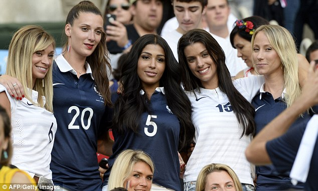 World Cup Beauties - Page 4 Article-0-1F20A07100000578-415_634x382
