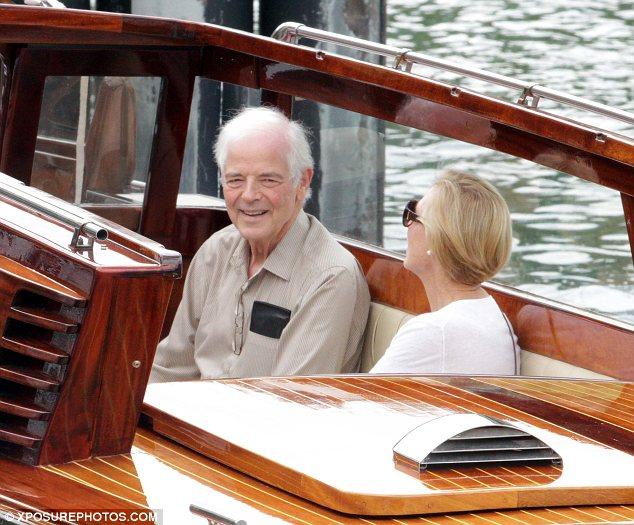 George Clooney's parents jet into Lake Como Article-2676853-1F4D758D00000578-585_634x525