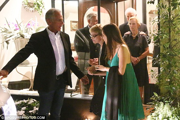 George Clooney & Fiancee Amal Alamuddin Make It a Family Night in Italy! Article-2678902-1F592EDF00000578-51_634x423