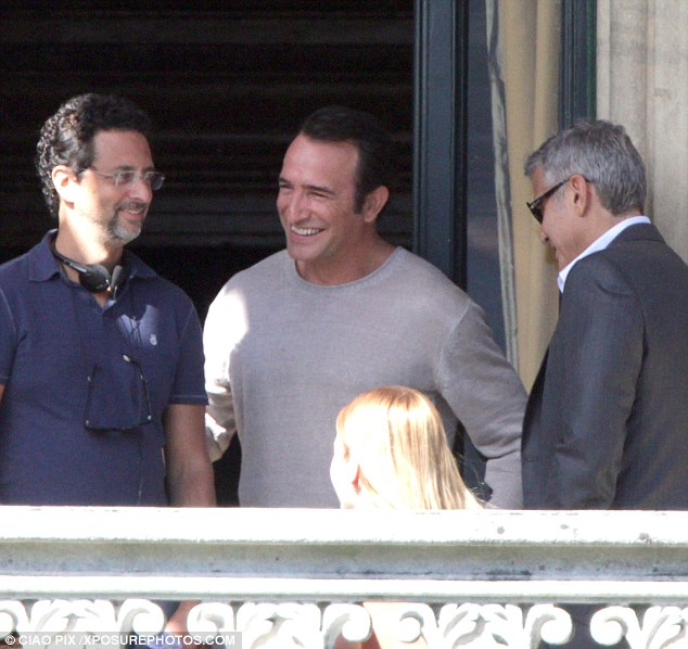 George Clooney and JEAN DUJARDIN doing a new NESPRESSO SPOT Article-2735851-20D771C900000578-124_634x598