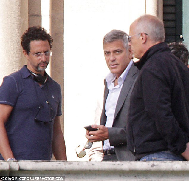 George Clooney and JEAN DUJARDIN doing a new NESPRESSO SPOT Article-2735851-20D771ED00000578-784_634x606