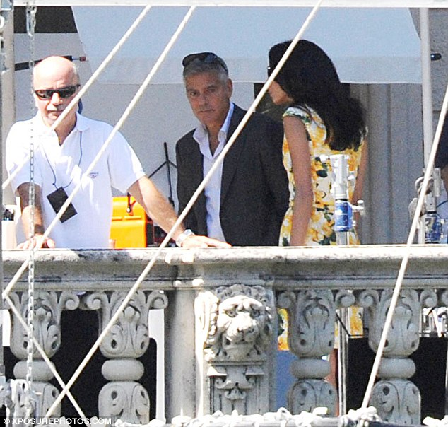 George Clooney and JEAN DUJARDIN doing a new NESPRESSO SPOT Article-2735851-20D834F700000578-635_634x604