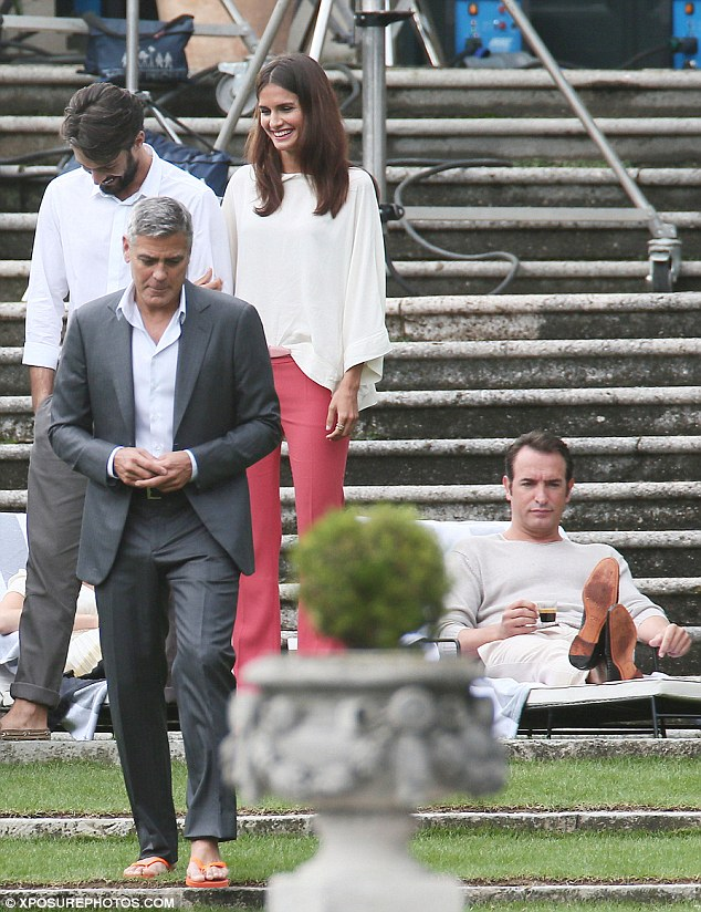 George Clooney and JEAN DUJARDIN doing a new NESPRESSO SPOT - Page 3 Article-2737007-20E0538F00000578-650_634x824