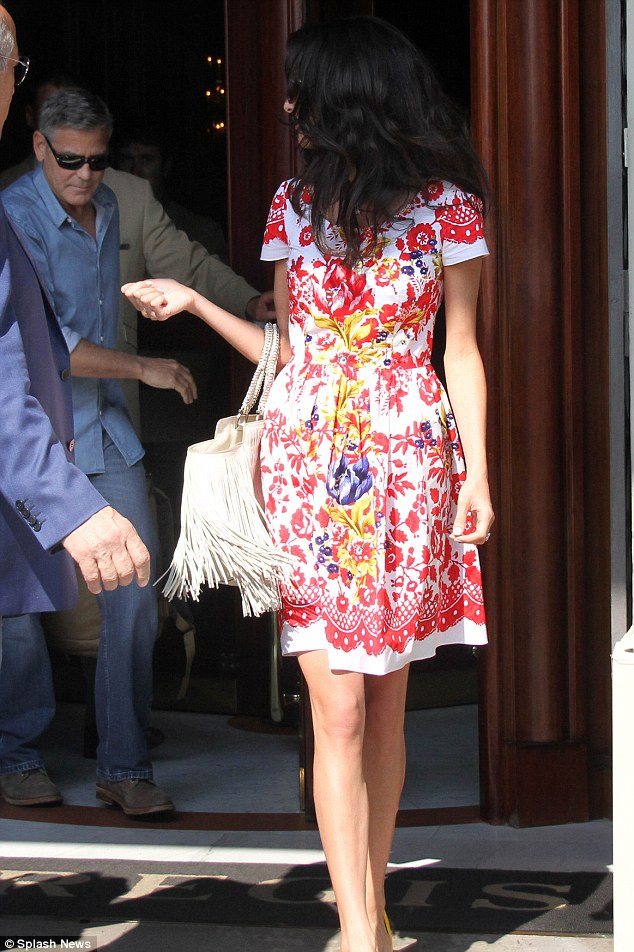 George Clooney leaving Florence Article-2748212-212F9A3F00000578-23_634x952