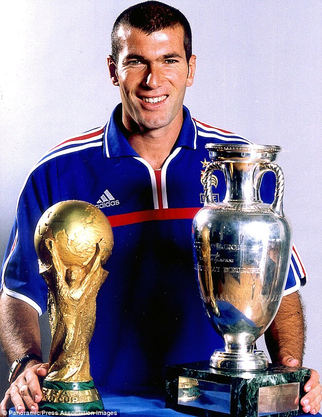 Lionel Mesxit: 'The national team is over for me' - Page 4 1410885480135_Image_galleryImage_France_s_Zinedine_Zidane_