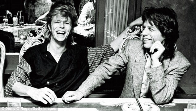 David Bowie - Page 5 Article-2759919-21778A3700000578-214_634x360