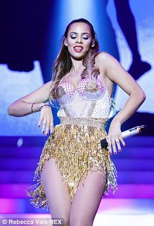 Tour >> Greatest Hits Live - Página 9 1411570110499_wps_76_Mandatory_Credit_Photo_by