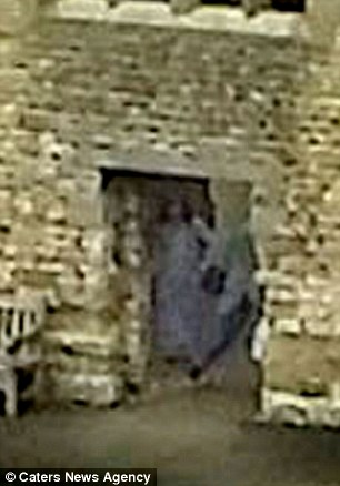 'Grey Lady ghost' captured in archway at Dudley Castle 1412673822666_wps_8_PIC_BY_AMY_HARPER_CATERS_