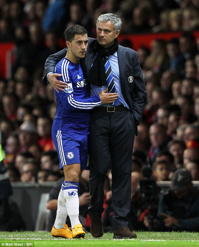 ¿Cuánto mide Eden Hazard? - Altura y peso - Real height and weight 1414757344252_wps_7_Chelsea_manager_Jose_Mour