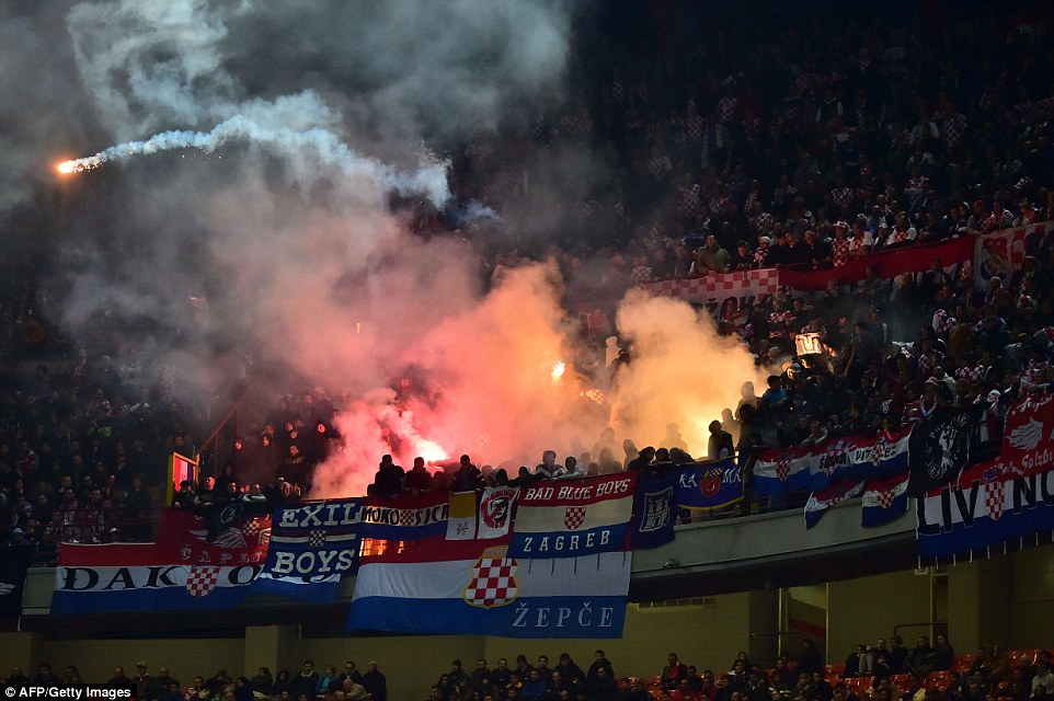 Sports - Free For All - Discussion - Page 6 1416173849303_wps_43_Croatia_s_supporters_thro
