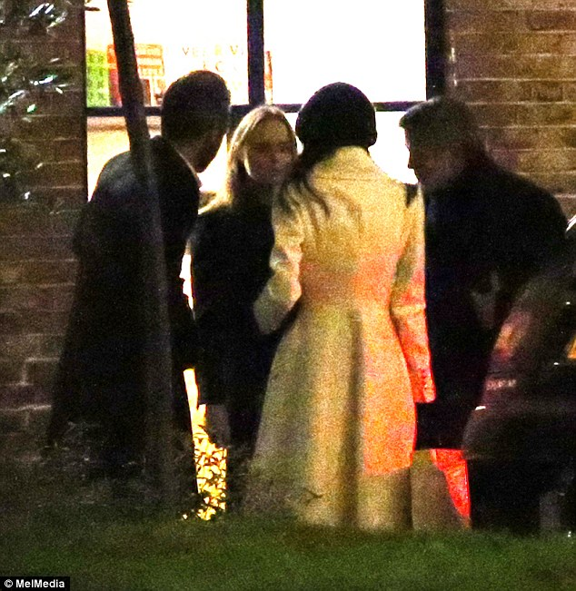 Fashionable friends: George and Amal Clooney dine out with Stella McCartney and Alasdhair Willis at The River Cafe 234BACA100000578-2841024-Stylish_pals_The_couple_dined_with_Stella_McCartney_and_her_husb-2_1416414331594