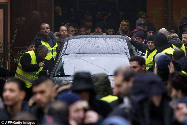 L'islam, les musulmans et les attentats 25DF585D00000578-2961757-image-a-1_1424449044621