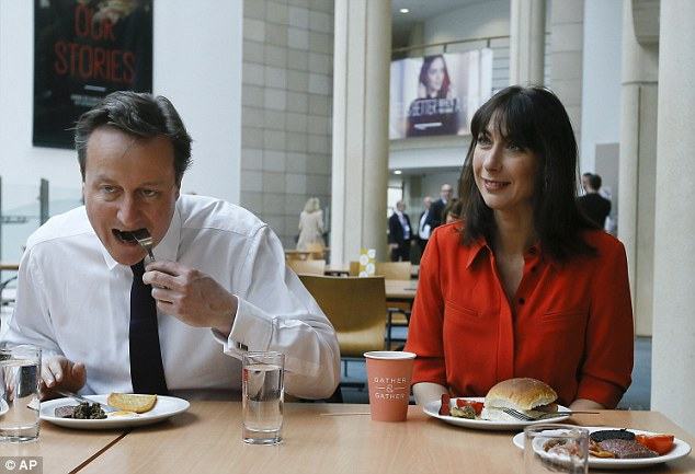 Election 2015: best political pictures and videos 2756BBA400000578-0-image-a-26_1428410290606