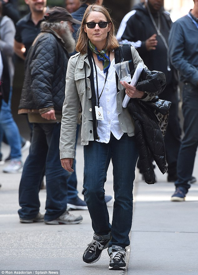 George Clooney on location: Money Monster NYC April 18, 2015 27B555F800000578-3044926-Running_the_show_Jodie_Foster_the_film_s_director_was_later_spot-a-2_1429380472243