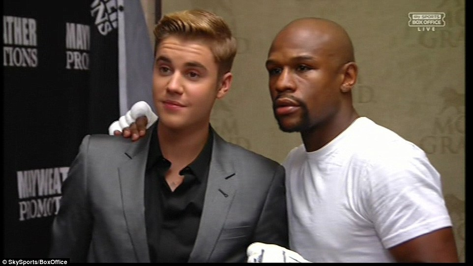 ¿Cuánto mide Justin Bieber? - Altura: 1,73 - Real height 2841F87000000578-3065819-image-a-74_1430621804218