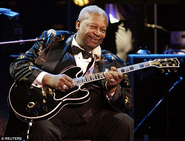 Farewell to a blues legend: Thousands gather in Memphis to say goodbye to B.B. King with a moving musical tribute 005EDE9600000258-3100143-Huge_loss_King_above_died_in_his_sleep_on_May_14_reportedly_the_-a-75_1432806327411