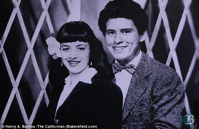 George Clooney wishes happy 70th anniversary 292FB87E00000578-3102683-image-a-7_1432922752902