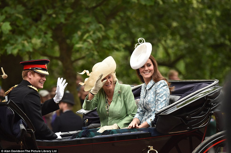 Trooping the Colour 2015. 2995F9E100000578-3122591-image-a-49_1434190362417