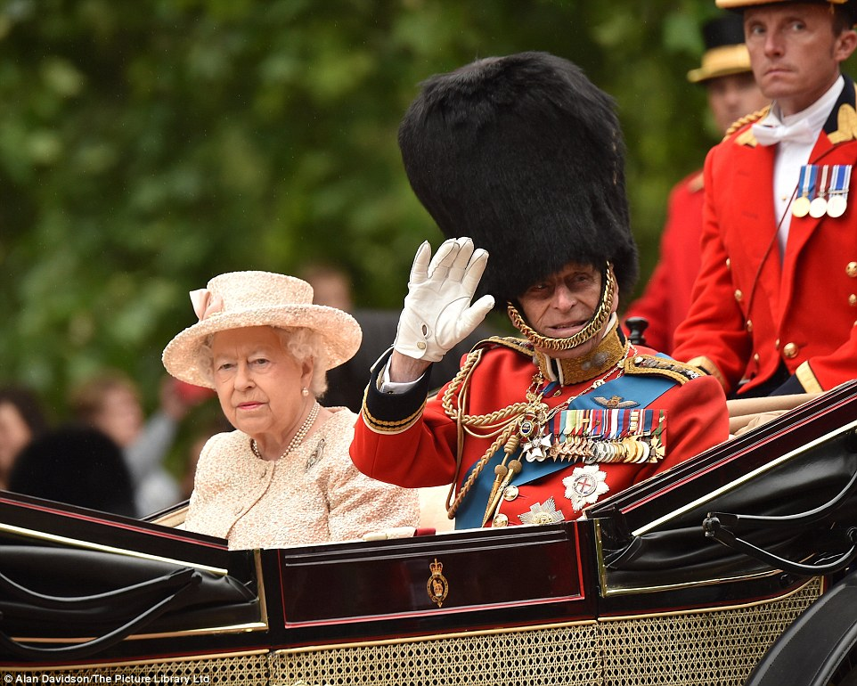 Trooping the Colour 2015. 2996008D00000578-3122591-image-a-38_1434190272950