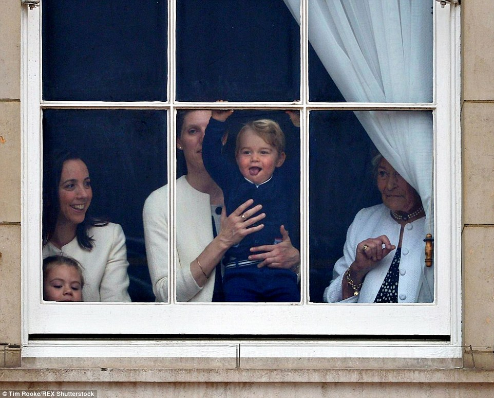 Trooping the Colour 2015. 2996012900000578-3122591-image-a-73_1434190513720
